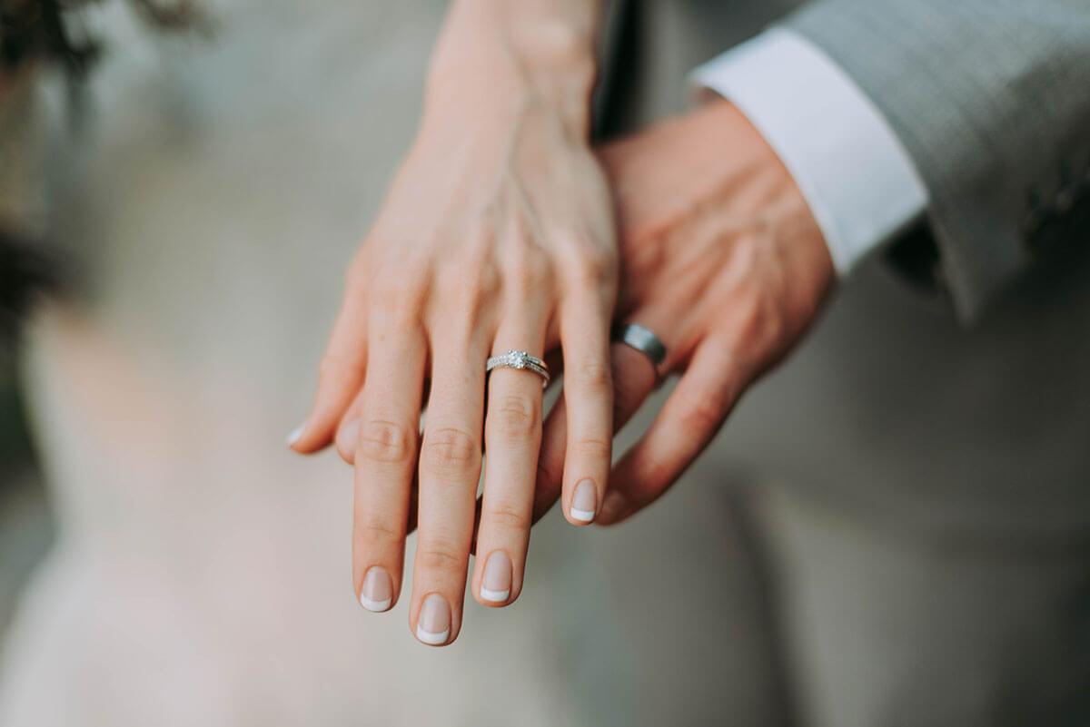 経済力のある男性と再婚する
